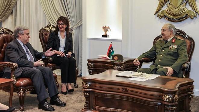 Nhiều nước rút quân, sơ tán nhân sự khỏi Libya - Ảnh 2.
