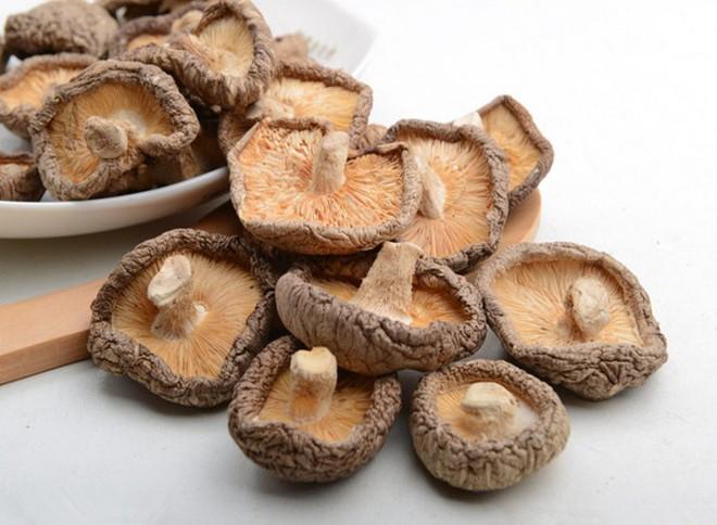 Nấm hương tươi và khô, loại nào bổ dưỡng hơn: Chuyên gia dinh dưỡng giải đáp bất ngờ - Ảnh 4.