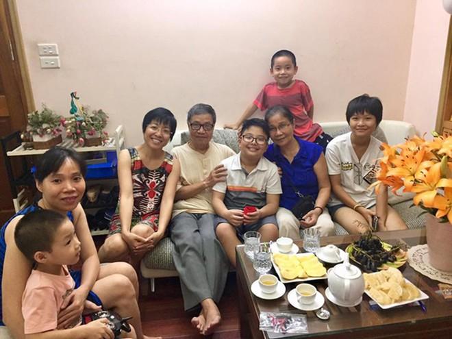 Bố mẹ chồng cũ đến thăm MC Thảo Vân và câu chuyện xúc động ít ai biết - Ảnh 3.