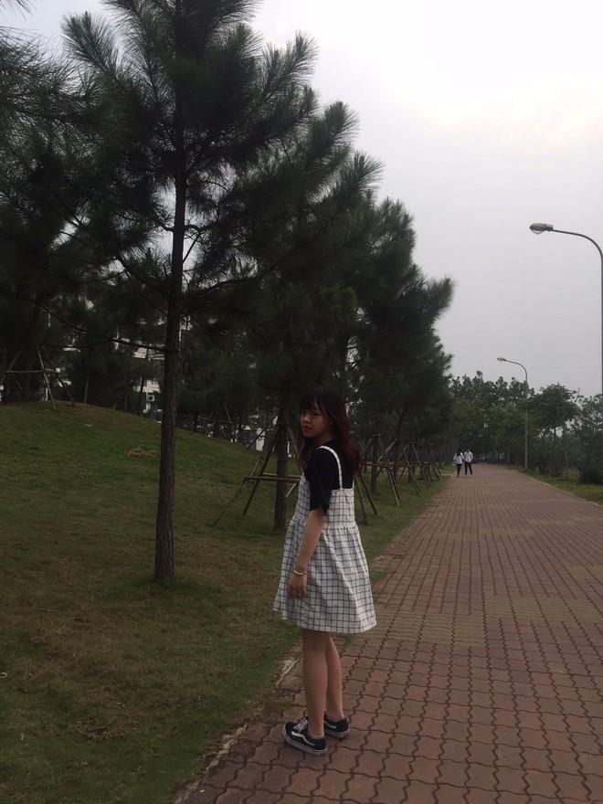 Bạn trai chụp ảnh thảm họa: Xinh như nữ MC truyền hình vẫn khóc thét khi nhận hình - Ảnh 2.