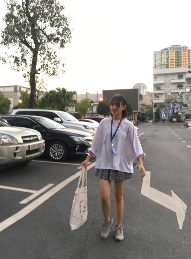 Bạn trai chụp ảnh thảm họa: Xinh như nữ MC truyền hình vẫn khóc thét khi nhận hình - Ảnh 3.