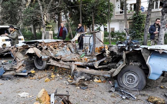 Syria: Khủng bố cải trang thành nông dân đánh bom đồn quân sự