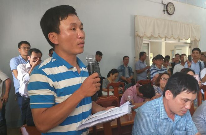 Hàng trăm người mua đất kéo đến trụ sở UBND tỉnh Quảng Nam cầu cứu - Ảnh 4.