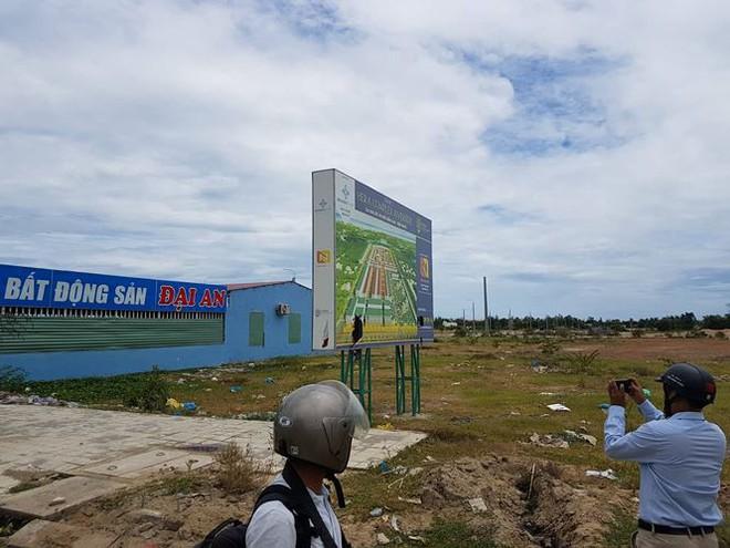 Hàng trăm người mua đất kéo đến trụ sở UBND tỉnh Quảng Nam cầu cứu - Ảnh 6.