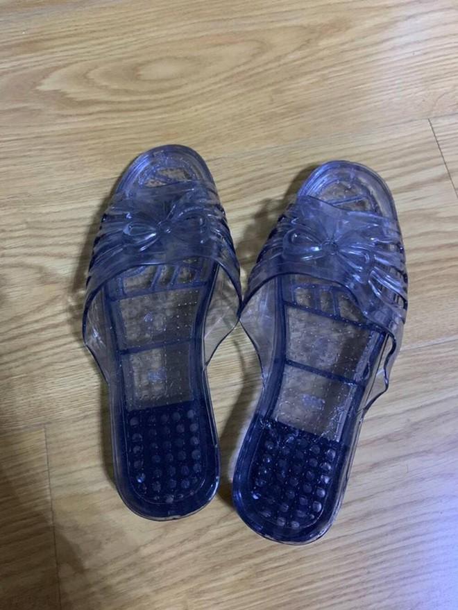 Được bạn trai tặng đôi giày pha lê, cô gái từ háo hức thành thất vọng sau khi mở quà - Ảnh 3.