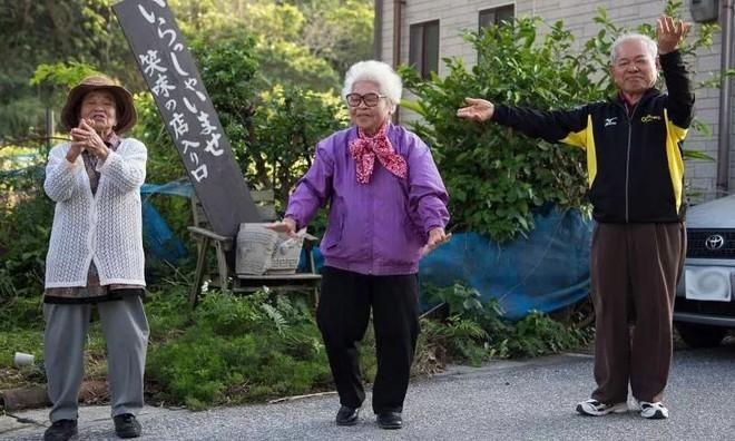 Ngôi làng sống thọ ở Nhật Bản: Ăn 4 loại thực phẩm mỗi ngày giúp đẩy lùi lão hóa, bệnh tật - Ảnh 3.