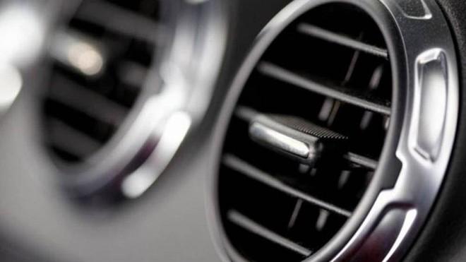 Những điều nên biết khi đi ô tô trời nắng nóng - Ảnh 1.