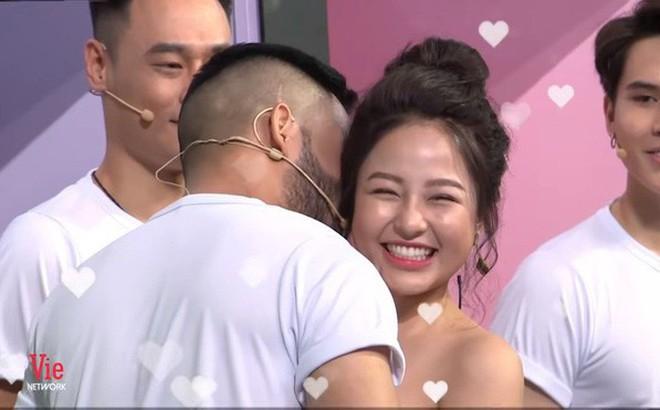 Vừa xuất hiện trở lại, hot girl Trâm Anh bị cắt hoàn toàn hình ảnh ở VTV3