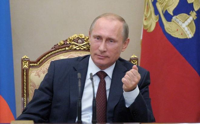 Không nói chơi, Nga mở ngay trung tâm cấp hộ chiếu cho dân Donbass, Ukraine cảnh báo đanh thép