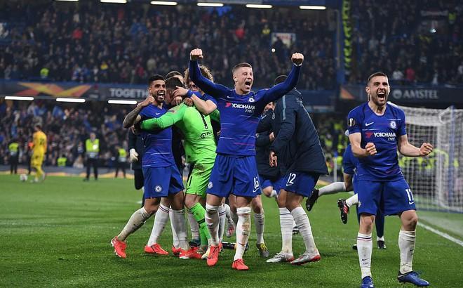 """Thắng nghẹt thở trên chấm luân lưu, Chelsea vất vả điền tên vào trận chung kết """"toàn Anh"""""""