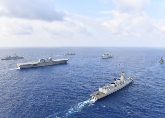Hải quân Mỹ, Nhật, Ấn Độ và Philippines diễn tập trên Biển Đông thách thức yêu sách của Trung Quốc - Ảnh 2.