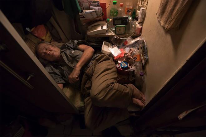 Cuộc sống của người đàn ông vô gia cư gốc Việt ở nơi nghèo nhất Hong Kong và sự tương phản nghiệt ngã của thành phố hoa lệ bậc nhất hành tinh - Ảnh 13.