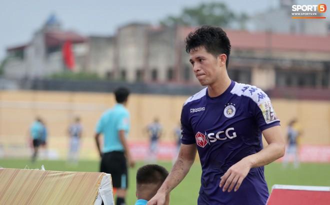 """HLV trưởng Hà Nội FC: """"Thẻ đỏ của Đình Trọng là quá nặng"""""""