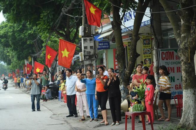 Hơn 400 xe hoa diễu hành rước Phật trước đại lễ Phật Đản Vesak - Ảnh 12.