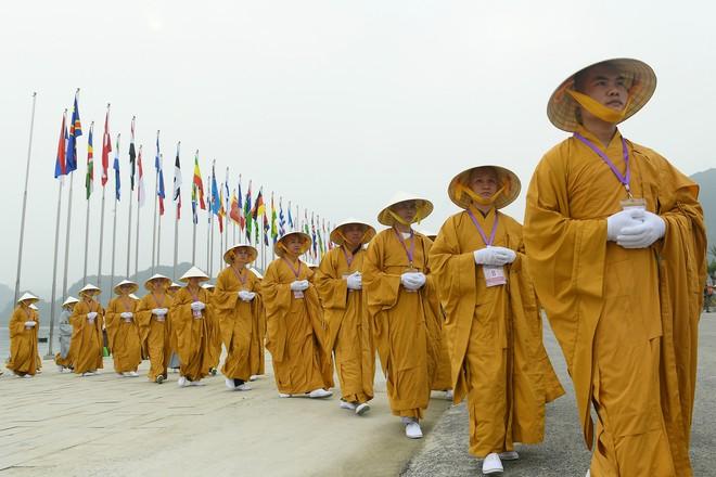 Hội trường sức chứa 3.000 người chùa Tam Chúc sẵn sàng cho giờ khai mạc Vesak - Ảnh 2.