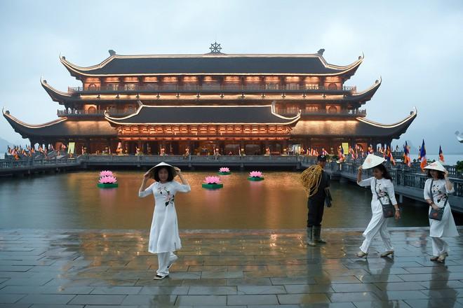 Hội trường sức chứa 3.000 người chùa Tam Chúc sẵn sàng cho giờ khai mạc Vesak - Ảnh 16.