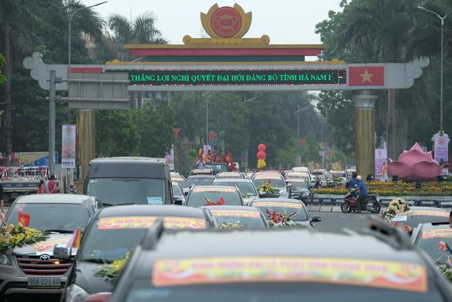 Hơn 400 xe hoa diễu hành rước Phật trước đại lễ Phật Đản Vesak - Ảnh 9.