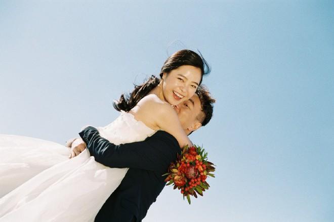 Bị thầy giáo chê sẽ ế chồng vì quá nghịch, nữ sinh trả thù bằng cách lấy luôn con trai của thầy - Ảnh 2.