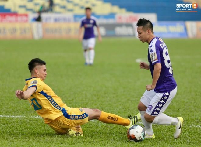 HLV trưởng Hà Nội FC: Thẻ đỏ của Đình Trọng là quá nặng - Ảnh 4.