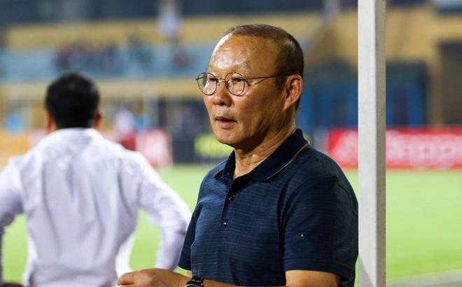 """Thầy Park tạm thở phào, nhưng đến bao giờ Công Phượng mới nhận ra mình là """"Messi Việt Nam""""?"""