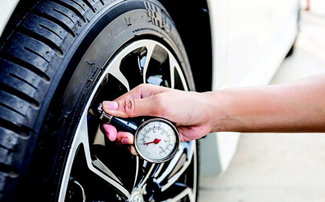 nắng nóng khiến lốp xe dễ nổ