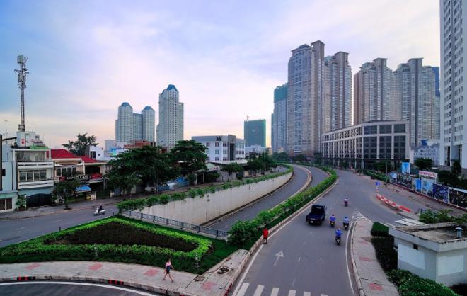 Vì sao đường Nguyễn Hữu Cảnh, TP.HCM vẫn liên tiếp ngập nặng dù được đầu tư lớn? - Ảnh 2.