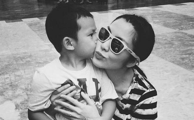 Ngày của Mẹ, Tăng Thanh Hà bị con trai cưng tiết lộ tất tần tật những bí mật không ai biết chỉ qua một bài tập tiếng Anh