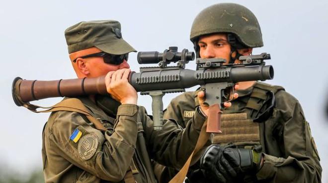 Nga chê bai tên lửa chống tăng Mỹ nhái theo RPG-7 - Ảnh 8.