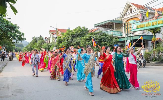 Chủ tịch TP Uông Bí nói về việc bà Phạm Thị Yến xuất hiện trong lễ Phật đản chùa Ba Vàng - Ảnh 1.