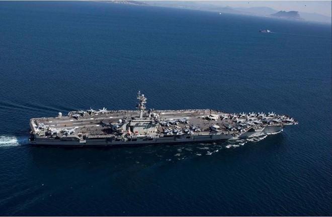 Iran dọa đánh phủ đầu, phá hủy tàu sân bay Mỹ với 1 tên lửa - Ảnh 2.