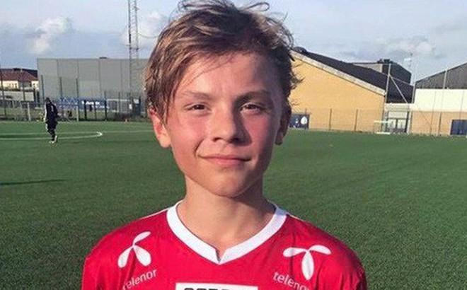 Man United công bố hợp đồng với tân binh 14 tuổi