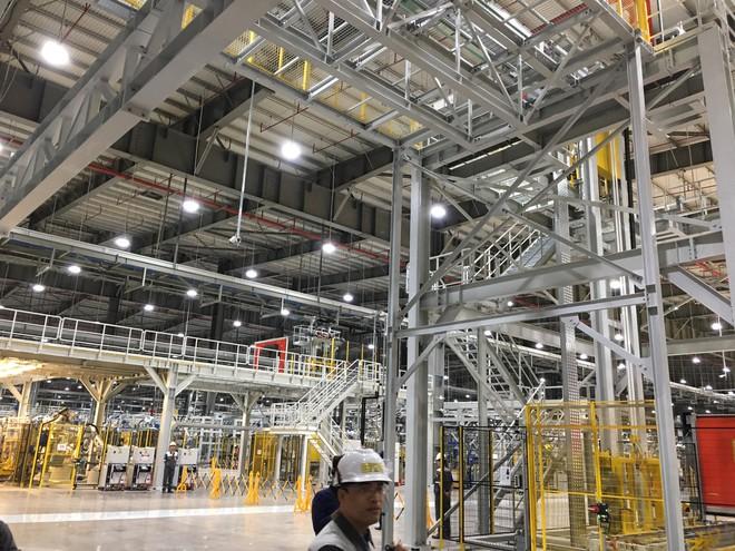 Đột nhập nhà máy sản xuất thân vỏ ô tô của VinFast - Ảnh 9.