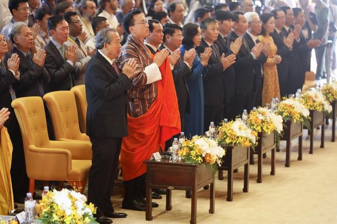Gần nửa triệu lượt Phật tử và du khách ghé thăm chùa Tam Chúc trong 3 ngày Phật Đản - Ảnh 9.