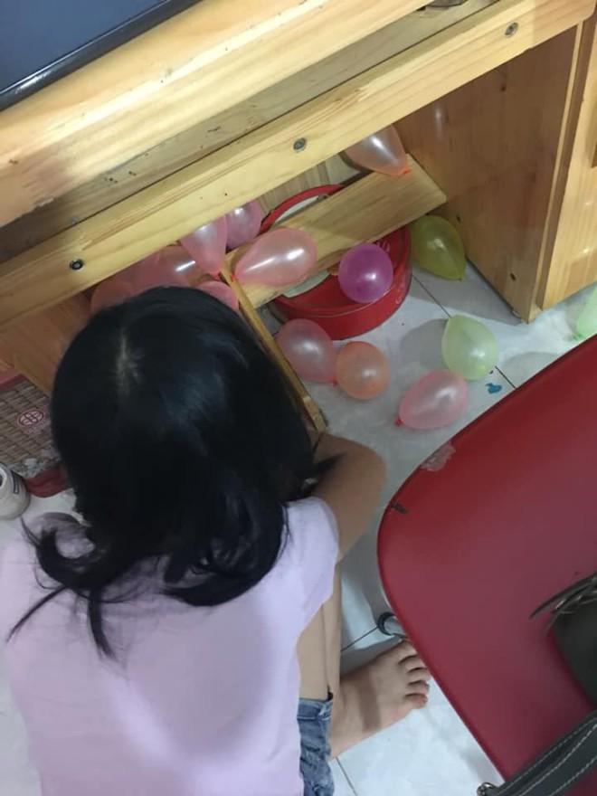 Đi học xa về nhà, cô nàng rưng rưng phát hiện điều bất ngờ em gái đã chuẩn bị ở phòng - Ảnh 1.