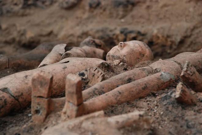 Khai quật mộ nghi của người đã ám sát Tần Thủy Hoàng, các nhà khảo cổ nhận bất ngờ lớn - Ảnh 5.