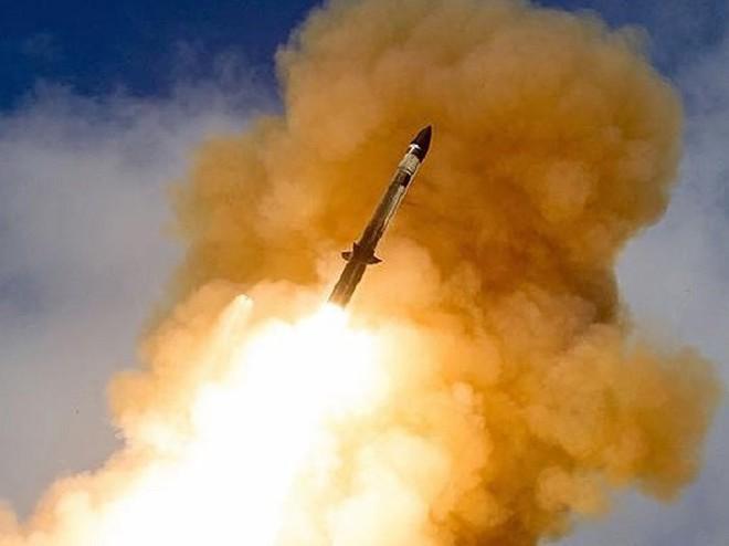 Mỹ phóng tên lửa 'sát thủ' đánh chặn ngoài tầng khí quyển thị uy trước Nga - Ảnh 7.