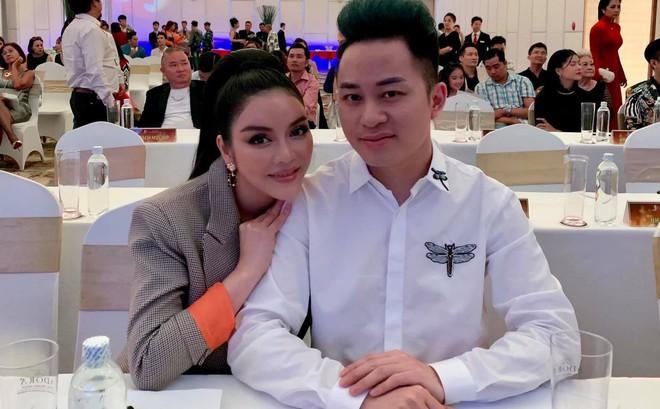 Lý Nhã Kỳ xin được làm bạn gái Tùng Dương trong 15 phút