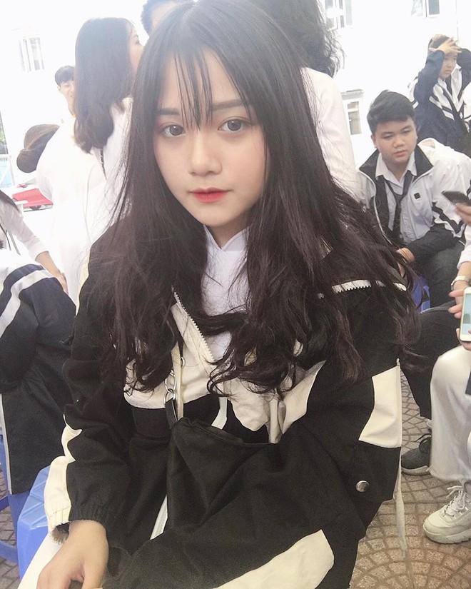 Hội gái xinh mới 17 tuổi đã nổi tiếng rần rần: Toàn cực phẩm học đường, có người được báo Trung ca ngợi với loạt mỹ từ - Ảnh 3.