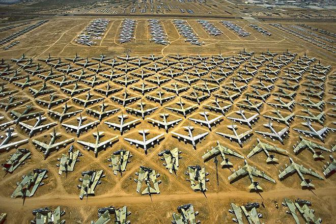 Iran giật mình khi Mỹ gọi tái ngũ pháo đài bay B-52 từ căn cứ Davis-Monthan - Ảnh 1.