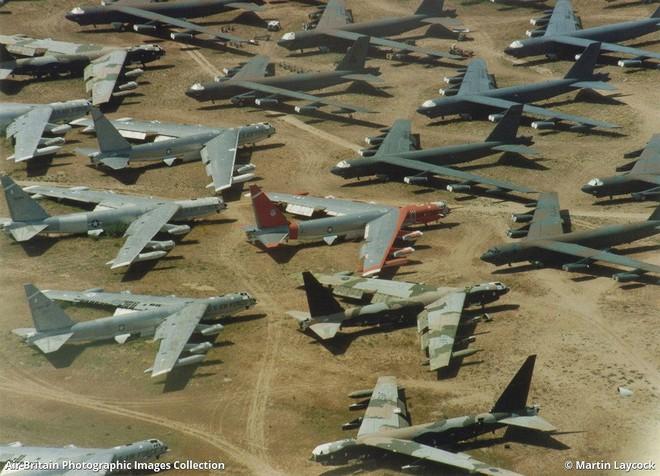 Iran giật mình khi Mỹ gọi tái ngũ pháo đài bay B-52 từ căn cứ Davis-Monthan - Ảnh 2.