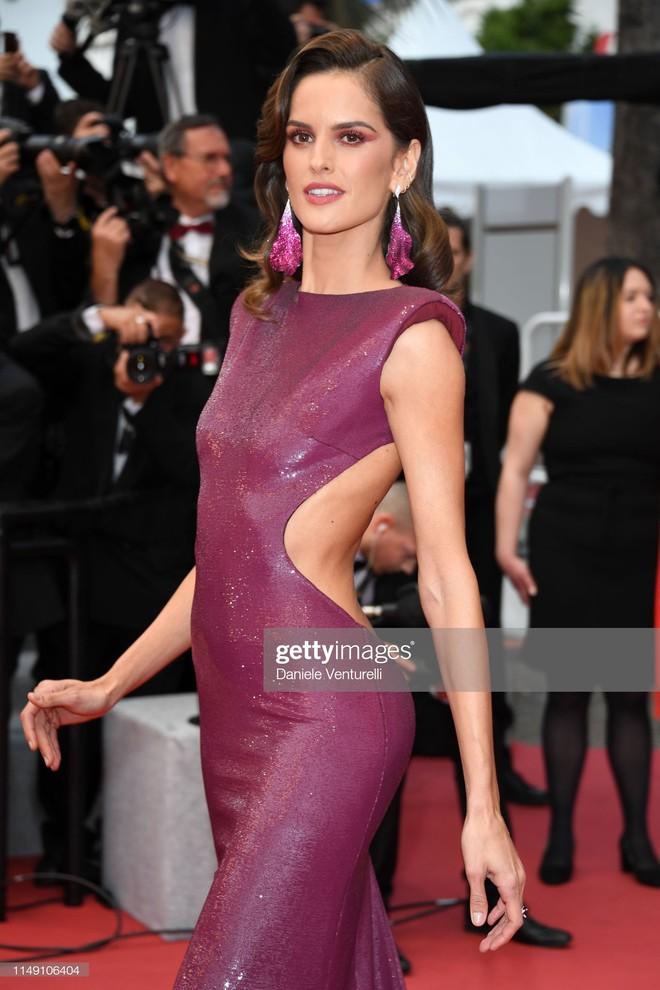 Thảm đỏ LHP Cannes 2019: Selena bức thở với vòng 1 khủng, Ella Fanning như bà hoàng bên dàn siêu mẫu Victorias Secret - Ảnh 11.
