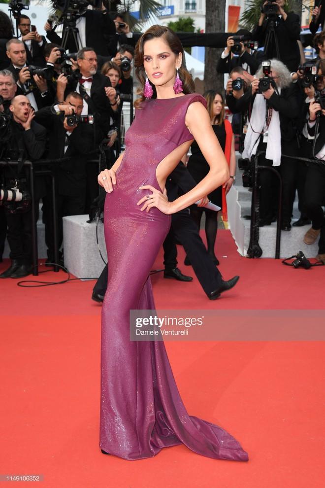 Thảm đỏ LHP Cannes 2019: Selena bức thở với vòng 1 khủng, Ella Fanning như bà hoàng bên dàn siêu mẫu Victorias Secret - Ảnh 13.
