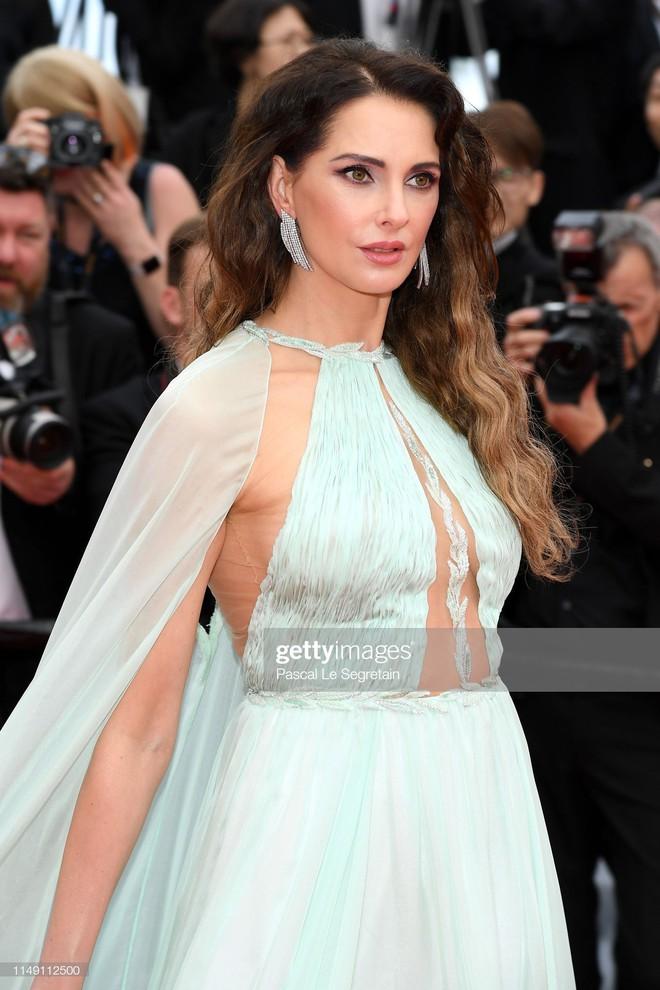 Thảm đỏ LHP Cannes 2019: Selena bức thở với vòng 1 khủng, Ella Fanning như bà hoàng bên dàn siêu mẫu Victorias Secret - Ảnh 14.