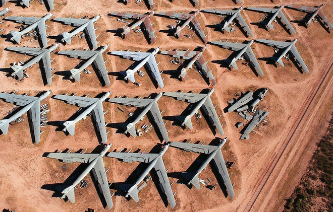 Iran giật mình khi Mỹ gọi tái ngũ pháo đài bay B-52 từ căn cứ Davis-Monthan - Ảnh 3.