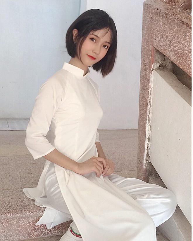 Nữ sinh 2001 được báo Trung gọi là cực phẩm hot girl với nhan sắc trong sáng tựa nữ chính phim thanh xuân vườn trường - Ảnh 4.