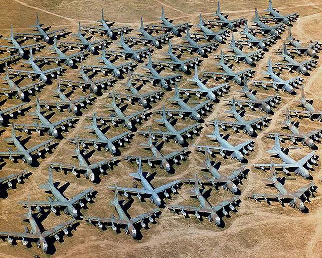 Iran giật mình khi Mỹ gọi tái ngũ pháo đài bay B-52 từ căn cứ Davis-Monthan - Ảnh 4.