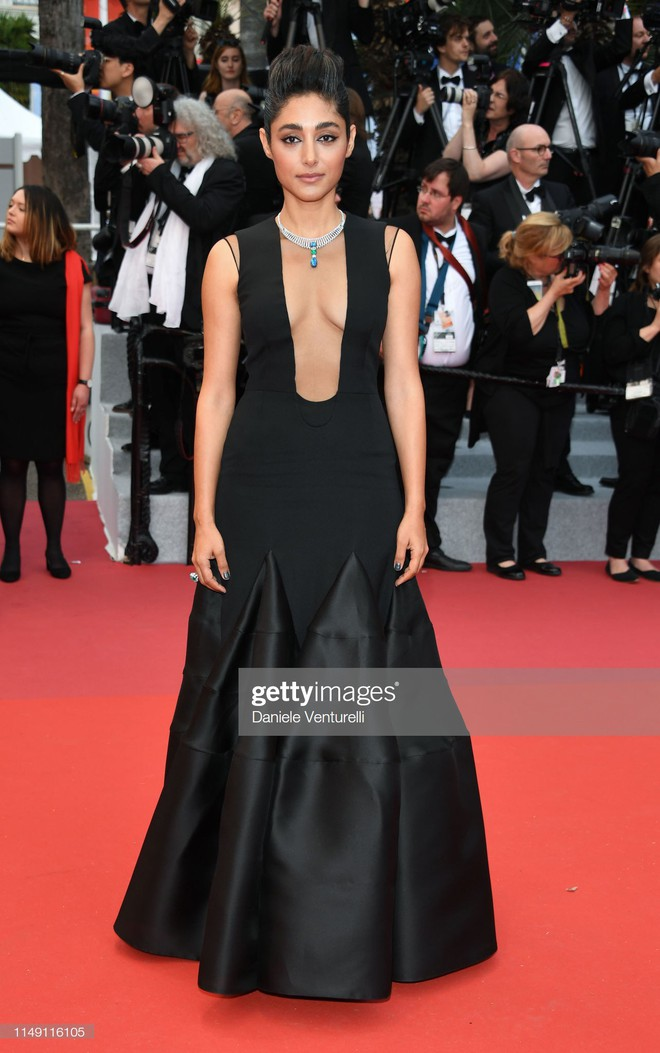 Thảm đỏ LHP Cannes 2019: Selena bức thở với vòng 1 khủng, Ella Fanning như bà hoàng bên dàn siêu mẫu Victorias Secret - Ảnh 35.