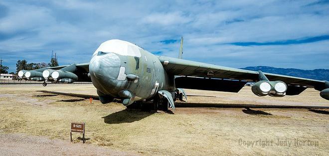 Iran giật mình khi Mỹ gọi tái ngũ pháo đài bay B-52 từ căn cứ Davis-Monthan - Ảnh 7.