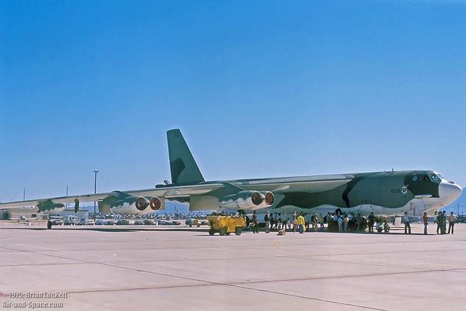 Iran giật mình khi Mỹ gọi tái ngũ pháo đài bay B-52 từ căn cứ Davis-Monthan - Ảnh 9.