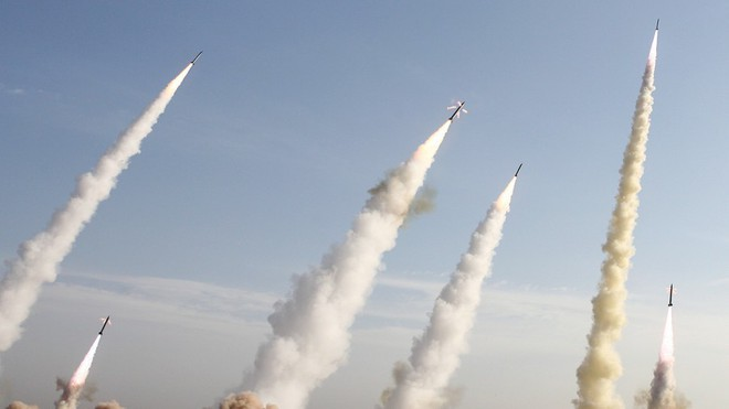 Mỹ nã Tomahawk vào Tehran, tên lửa Iran đè Israel: Trung Đông sẽ thành vùng đất chết! - Ảnh 6.